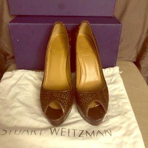 Stuart Weitzman springpump brown wicker pumps